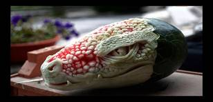 YouTube: Convierten sandía en alucinante dragón