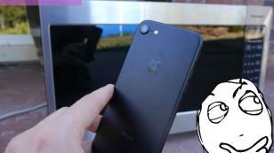 ¿Se puede cargar un iPhone 7 en un microondas? Mira lo que pasa [VIDEO]