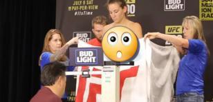 ¡Luchadora de la UFC mostró más de la cuenta durante pesaje!
