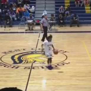 ¡Mira el baile de este jugador de básquet en pleno partido! [VIDEO]