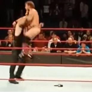 Undertaker atacó a Kevin Owens y Chris Jericho cuando las cámaras de WWE se apagaron [VIDEO]