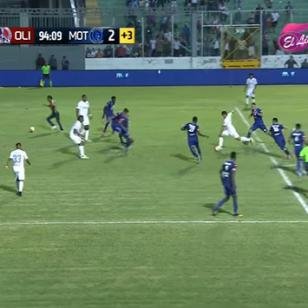 Hincha entró a la cancha y anotó el empate de su equipo [VIDEO]