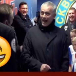 Mira el divertido pedido que le hizo este niño a árbitro antes de un partido [VIDEO]