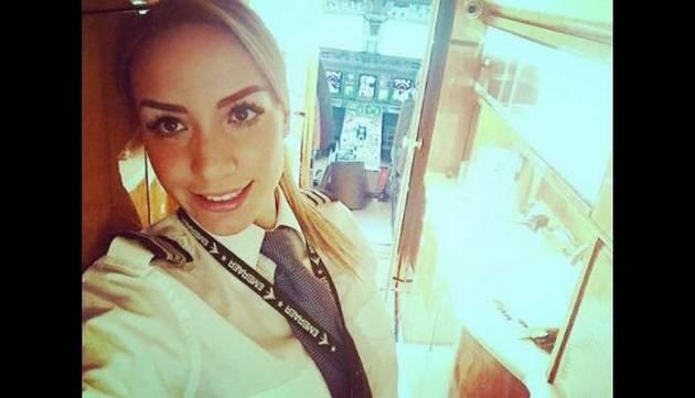 ¡Asuuuu! Conoce a la bella piloto del jet privado de Cristiano Ronaldo