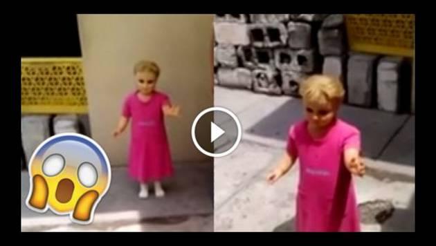 ¡Qué miedo! Muñeca que camina sola causa terror