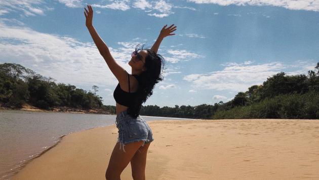Becky G empezó el año con inesperado viaje a Colombia