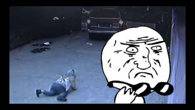 Niño fue atropellado por una furgoneta y esto pasó