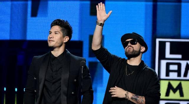 ¡Chino & Nacho también presentes en los Heat Latin Music Awards!