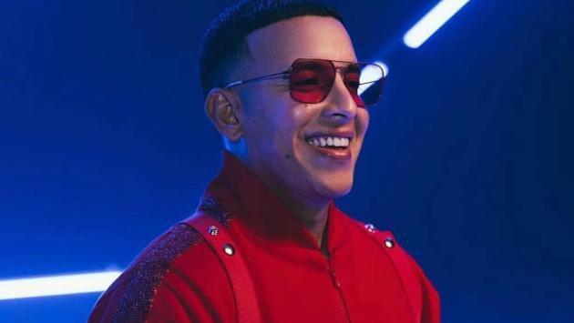 Daddy Yankee y su esposa recibieron el año con tierno beso