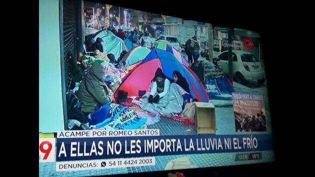 Fans de Romeo Santos acampan a la espera de firma de autógrafos [FOTOS Y VIDEO]