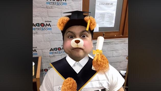 Jojojonathan al fin pudo graduarse. ¿Sabes cómo lo logró? [VIDEO]