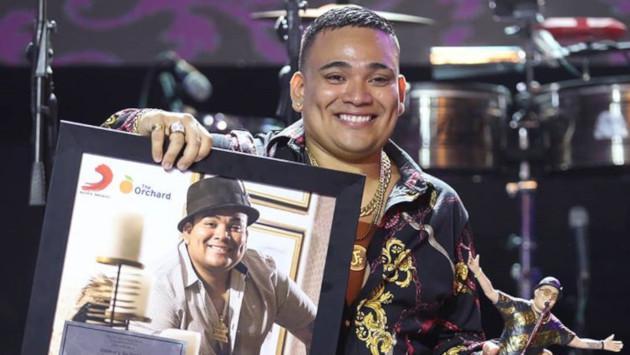 Josimar Fidel recibe importante reconocimiento de Sony Music