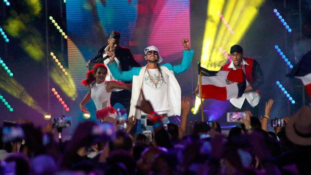 ¡J Balvin y Carlos Vives armaron la fiesta en los Premios Heat 2017! Checa estas fotos exclusivas