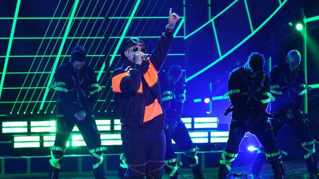 Niños africanos enamoran a Daddy Yankee al ritmo de 'Que tire pa' lante'