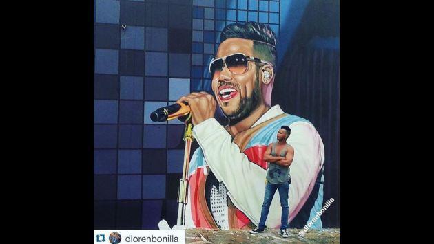 ¡Romeo Santos feliz con estos retratos de artista dominicano!