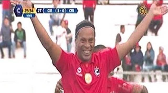 ¡Gánate con los lujos de Ronaldinho jugando con Cienciano!