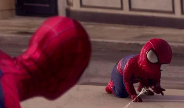 Spiderman se encuentra a su bebé