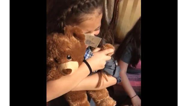 ¡El regalo que recibieron estas niñas te conmoverá! [VIDEO]