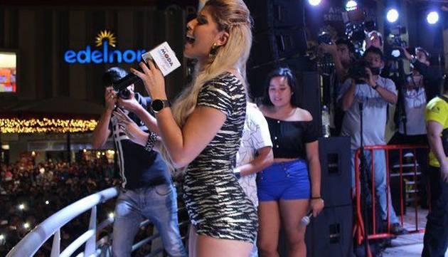 Yahaira Plasencia bailó en el aniversario de Radio Moda