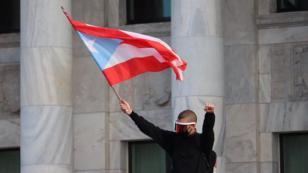 Bad Bunny, Ricky Martin y Residente salieron a las calles de Puerto Rico a protestar