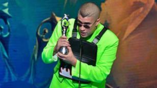 Bad Bunny subió por primera vez a un escenario a recibir un premio