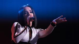 Becky G anuncia el lanzamiento de su primer álbum