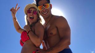 Chyno Miranda cautiva a sus fans con baile al aire libre junto a su esposa