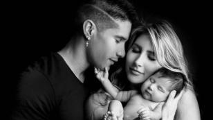 Chyno Miranda comparte nacimiento de su hijo bajo el agua en YouTube