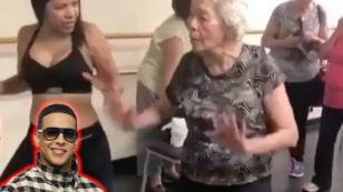 Abuelita bailando al ritmo de 'Dura' remece las redes sociales
