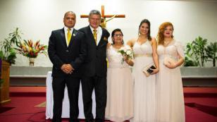 Jhonny Peña, líder de Zaperoko, festejó a lo grande las bodas de oro de sus padres