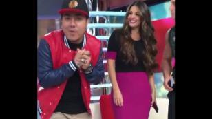Kalé puso a bailar a Rebeca Escribens al ritmo de 'Piden reggaetón' [VIDEO]