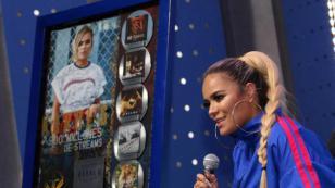 Karol G es premiada en México