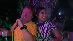 Karol G festejó su cumpleaños cantando junto a su padre [VIDEO]