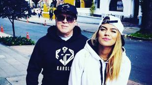 Karol G: papá de la cantante es tendencia por tocar el piano