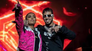 Karol G y Anuel AA cantaron 'Culpables' y por poco se besan