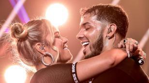 Karol G y Anuel AA estrenan videoclip de 'Secreto' con imágenes inéditas de su romance