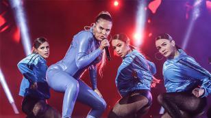 Karol G y su disquera celebran el éxito mundial de 'Tusa'