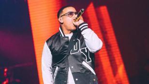 ¡La prueba de que Daddy Yankee realizaba conciertos hasta con muletas!