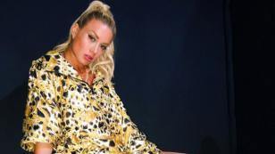 Leslie Shaw arranca el 2019 posando con sensual bikini