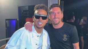 Lionel Messi se divierte en sus vacaciones al ritmo de Ozuna
