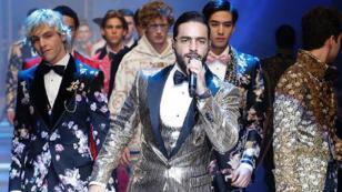 ¿Maluma se olvidó la letra de 'Felices los 4' en el desfile de Dolce & Gabbana?