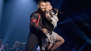 Maluma tuvo icónica presentación junto a Madonna en los Billboard Music Awards