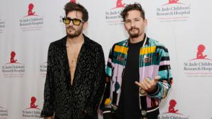 Mau & Ricky incluyen nota de voz de oyente de Radio Moda en su nueva canción