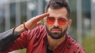 Mike Bahía estrenó remix de 'Quédate aquí'