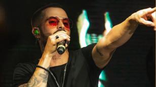 Mike Bahía se une a fundación colombiana para donar instrumentos musicales