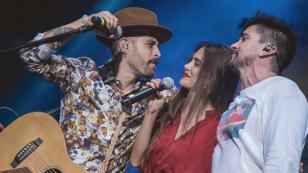 Mike Bahía y Greeicy fueron invitados por Juanes a concierto en Colombia