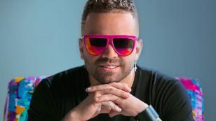 Nacho lanza nueva marca de lentes con modelos exclusivos