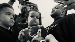 Nacho responde a los 'haters' que lo critican por la educación que le da a sus hijos