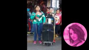 ¡Paralizaron el Centro de Lima! Pareja de invidentes cantó 'Mayores' de Becky G [VIDEO]