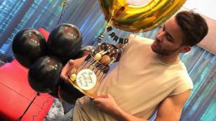 Prince Royce se lanzó de un avión para celebrar sus 30 años